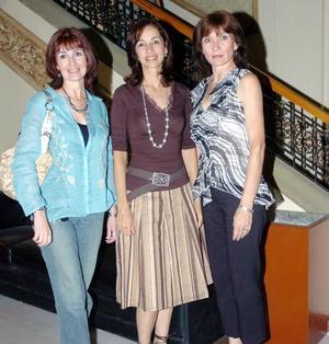 15052006  Zoila Valdez, Emma Guerrero y Cristina Allegre.