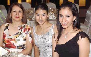 17052006  Guadalupe Flores de Cuéllar, Evelin Cuéllar de Flores y Michelle Ortega de Juárez.