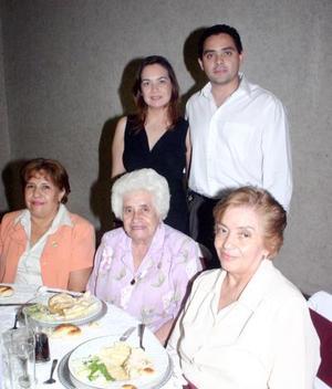 21052006  Cecilia Rodríguez, Adrián Rodríguez, María de Jesús García, María del Carmen Tostado y Graciela Rosas Tostado