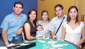 21052006  Fernando Puga, Claudia Velez, Kevin Rodríguez, Adriana Boone, Daniel Labastida y Celia Valenzuela, captados recientemente