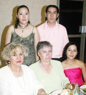 21052006  Rosa Vera, Estela Díaz, Marcela Ovalle, Susana y Ricardo Ovalle