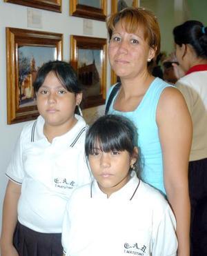 21052006  Adriana Cervantes, Elsa y María de los Ángeles Zúñiga.
