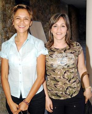 21052006  Ana Laura de Cano y Laura de Valdez.