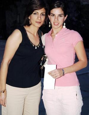 21052006  Blanca de Giacomán y Cristina Giacomán.