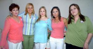 21052006  Georgina Vega de Quiroz en compañía de Lety, Cinthia, Gina y Elsa, en la fiesta de canastilla que le ofrecieron.