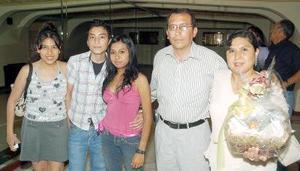 21052006  Gilberto, Mariel y Édgar López, Mayela de la Rosa y Karla Silva.