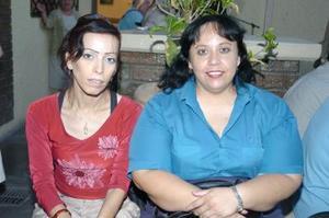 28052006  Angelina y María Amparo Sotomayor.