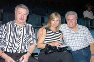 28052006  Juan Vicente, Georgina Nevárez y Carlos Chávez.