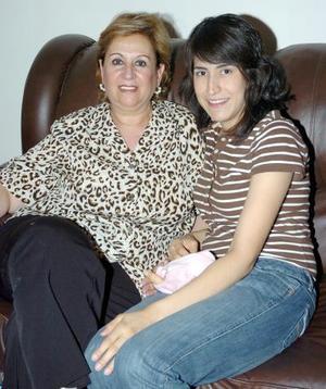 28052006  Laura de Estrello y Lorena de Mendoza.