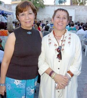 28052006  Magdalena Rueda e Ionne Villarreal.