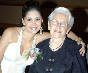 30052006  Luz María Herrera de Nahle, con su abuelita Elvira Are de Herrera.