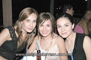 Márile Ávila, Chalis Tinoco y Karol Iza.