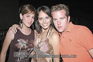 Mónica Román, Sofía Abusaid y Carlos García.
