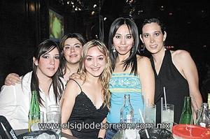 MUCHA DIVERSIÓN Paola Rubio, Maricarmen Román, Ana Paula Madero, Gloria Hernández y Chelito Macías.