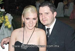 Odila Vargas de Fernández y Faruk Fernández.