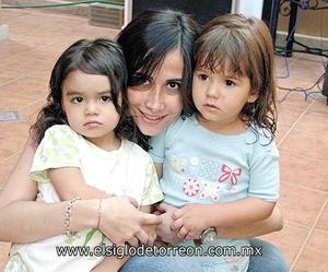 Maricarmen Fahur, Ana Sofía Rodríguez y Romina Russek.