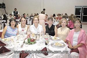Elvia de Correa, Valeria de Durán, Alejandra H. de Schott, Romy Schott, Josefina R. de Muñoz y Patricia Meléndez de López.