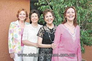 Nancy González de Kuri, Paty González de San Miguel, Lulú González de Sánchez y Mely González de Rodríguez.