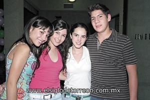 Nancy de la Garza, Karla Valdez, Marifer Fernández y Pepe Zambrano.