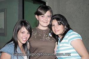 Bárbara Valdez, Melissa Rodríguez y Greta von Bertrab.