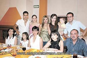 Cony, Ángeles y Lucero Gallardo, Juan José Aguilera, Bernardo Valdéz, Isabel Ortiz, Brenda Ruíz, Lissa y Juan Aguilera.