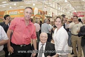 Santiago Gómez Martín, Armando Martín Borque y Ana Rosa T. de Gómez.
