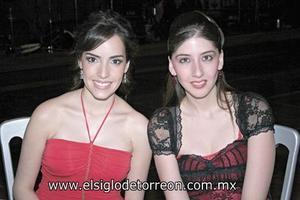Fernanda Dueñes y Paola Moye.