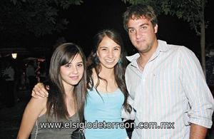 Ana Lucía, Isa y Diego.