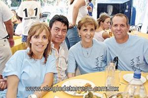 Lola Montaña de Lara, Guillermo Lara, Lola de la P. de Montaña y Jorge Montaña.