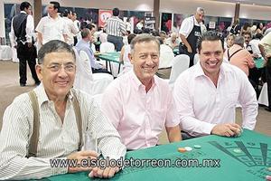 <I>NOCHE ENTRE SOCIOS</I><P> Javier Cantú, Ramiro Cantú y Rene Farret.