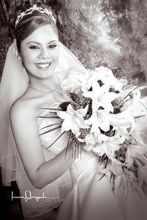 C.P. Claudia Iveth Torres Uribe, el día de su enlace matrimonial con el C.P. Édgar Hernández de Santiago. <p> <i>Estudio: Laura Grageda</i>.