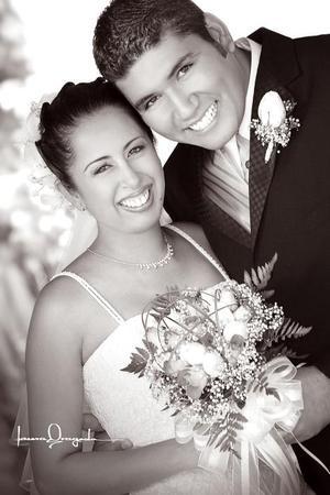 Srita. Eyra Yazmín Gutiérrez Rosales, el día de su enlace matrimonial con el Ing. Miguel Jesús Maciel Molina. <p> <i>Estudio: Laura Grageda</i>.