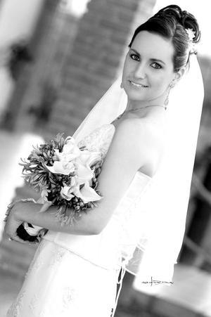 Srita. Diana Chapoy  Martínez, el día que unió su vida a la del Sr. James Patrick Callahan. <p> <i>Estudio: Maqueda</i>.