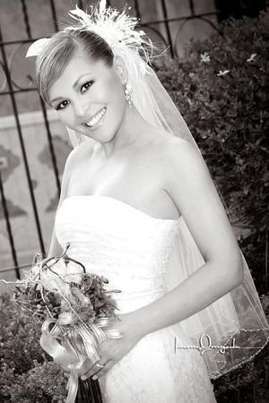 Srita. Jéssica Rodríguez Murillo, el día de su enlace matrimonial con el Sr. Jorge Luis Puentes Macías. <p> <i>Estudio: Laura Grageda</i>.