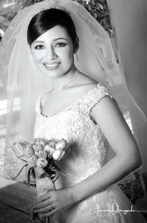 C.P. Ana Obdulia Sánchez Aragón, el día de su enlace matrimonial con el C.P. Rubén Darío Muñoz Rodríguez.  <p> <i>Estudio: Laura Grageda</i>.