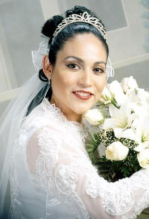 Ing. María Constanza Segura Ornelas, el día que celebró su matrimonio con el Ing. Carlos Augusto Rivera Valenzuela.