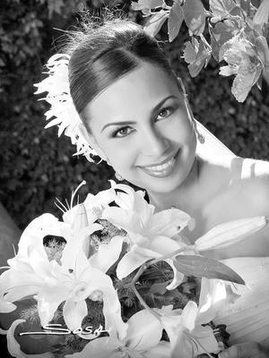 Lic. Amy Reyes Pámanes, el día de su enlace nupcial con el Lic. Juan Carlos Gómez Flores.  <p> <i>Estudio: Sosa</i>.
