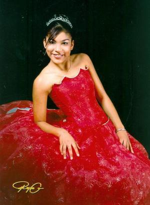 Srita. Elena Puentes Salazar en una foto de estudio con motivo de sus quince años.