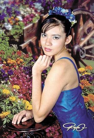 Srita Mitzi Jocelyn Rojas Narváez, en una foto de sus quince años.