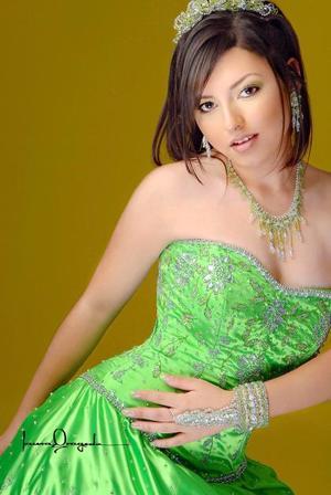 Srita. Yéssica Aguilar Miranda en una foto con motivo de sus quince años.