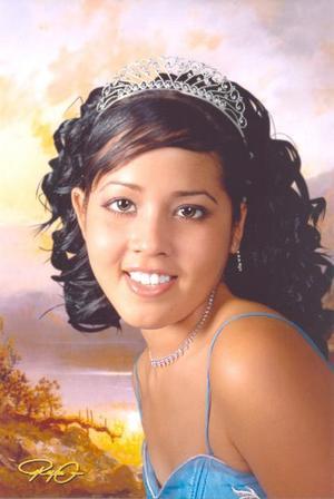 Srita. Rita Lizeth Robles Saldaña, en una foto con motivo de sus quince años.