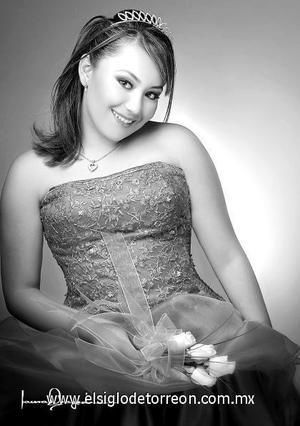 Srita. Ana Luz Villavicencio Quiñones, el día de su fiesta de quince años, en un estudio fotográfico