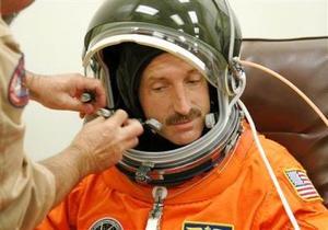 El especialista Dan Burbank participa en la misión
