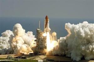 Los astronautas efectuarán tres paseos espaciales durante los 11 días de vuelo para instalar la nueva sección, de 372 millones de dólares.
