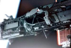 Esta es la sexta caminata espacial de Tanner y la primera para Stefanyshyn-Piper, quienes repetirán el tándem en la última de las tres salidas previstas para esta misión.