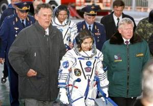 Esta es una de las fases del vuelo que pudo causar más molestias a los tres tripulantes, incluso a López-Alegría y Tiurin, que aunque ya han efectuado viajes espaciales en los transbordadores estadounidenses, ésta es la primera vez que viajan en las naves Soyuz. <p> Una vez concluida la fase de separación del cohete portador, la Soyuz TMA-9 con sus tripulantes a bordo comenzó su vuelo autónomo hacia la EEI, a la que se acoplará el próximo miércoles 20 de septiembre.