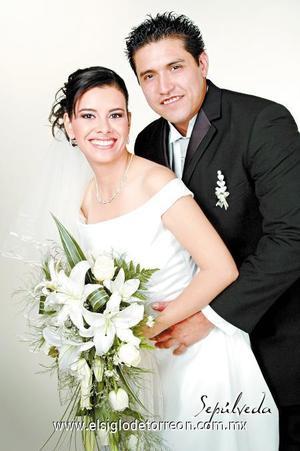 Sr. Guillermo Félix Martínez y Srita. Sandra  Luz Nevárez Ledezma contrajeron matrimonio el pasado 19 de agosto de 2006 en la Catedral de Nuestra Señora del Carmen.