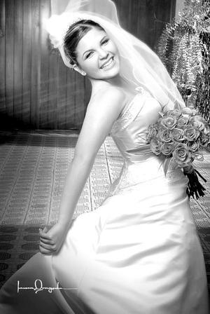 Srita. Janine Maldonado González, el día de su boda con el Sr. Gerardo Jaramillo Barrón. <p> <i>Estudio: Laura Grageda</i>