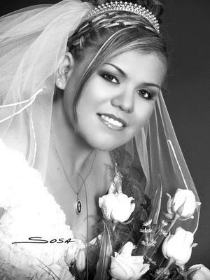 Srita. Élida García Peña, el día de su boda con el Sr. Rodolfo Adriano Guillén. <p> <i>Estudio: Sosa</i>