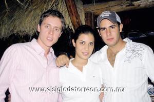Mario Berlanga, Lorena Armendáriz y Víctor Setién.